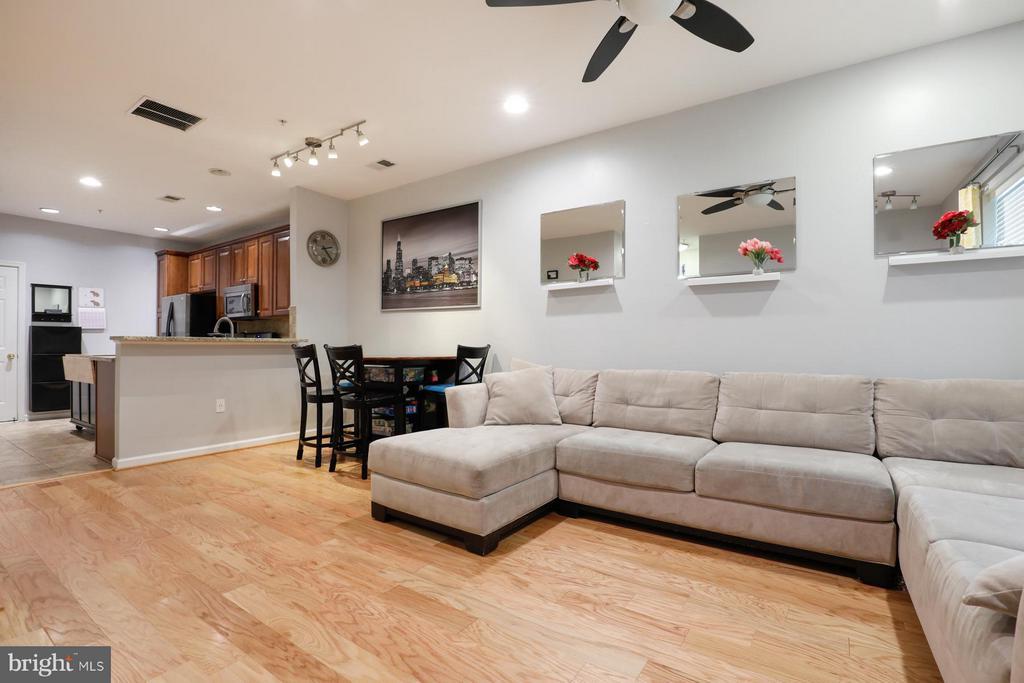 Living Room - 12412A LIBERTY BRIDGE RD #A, FAIRFAX