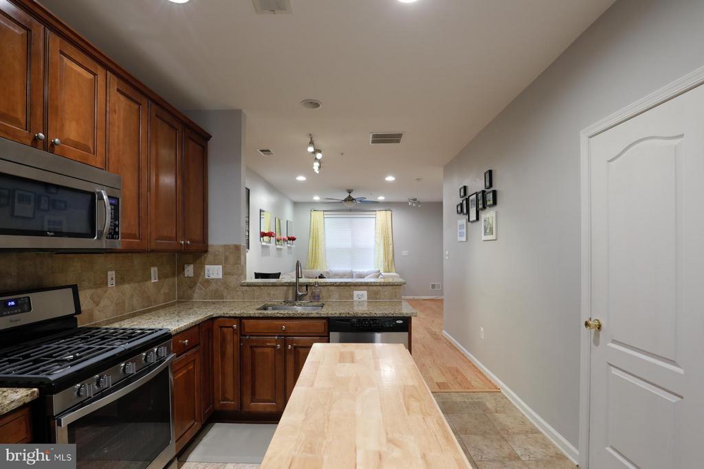 Kitchen - 12412A LIBERTY BRIDGE RD #A, FAIRFAX