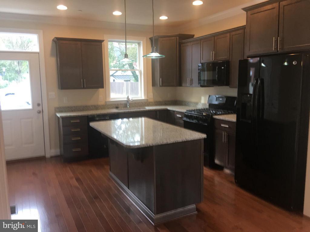 Kitchen with granite countertops - 6 7TH ST W, FREDERICK