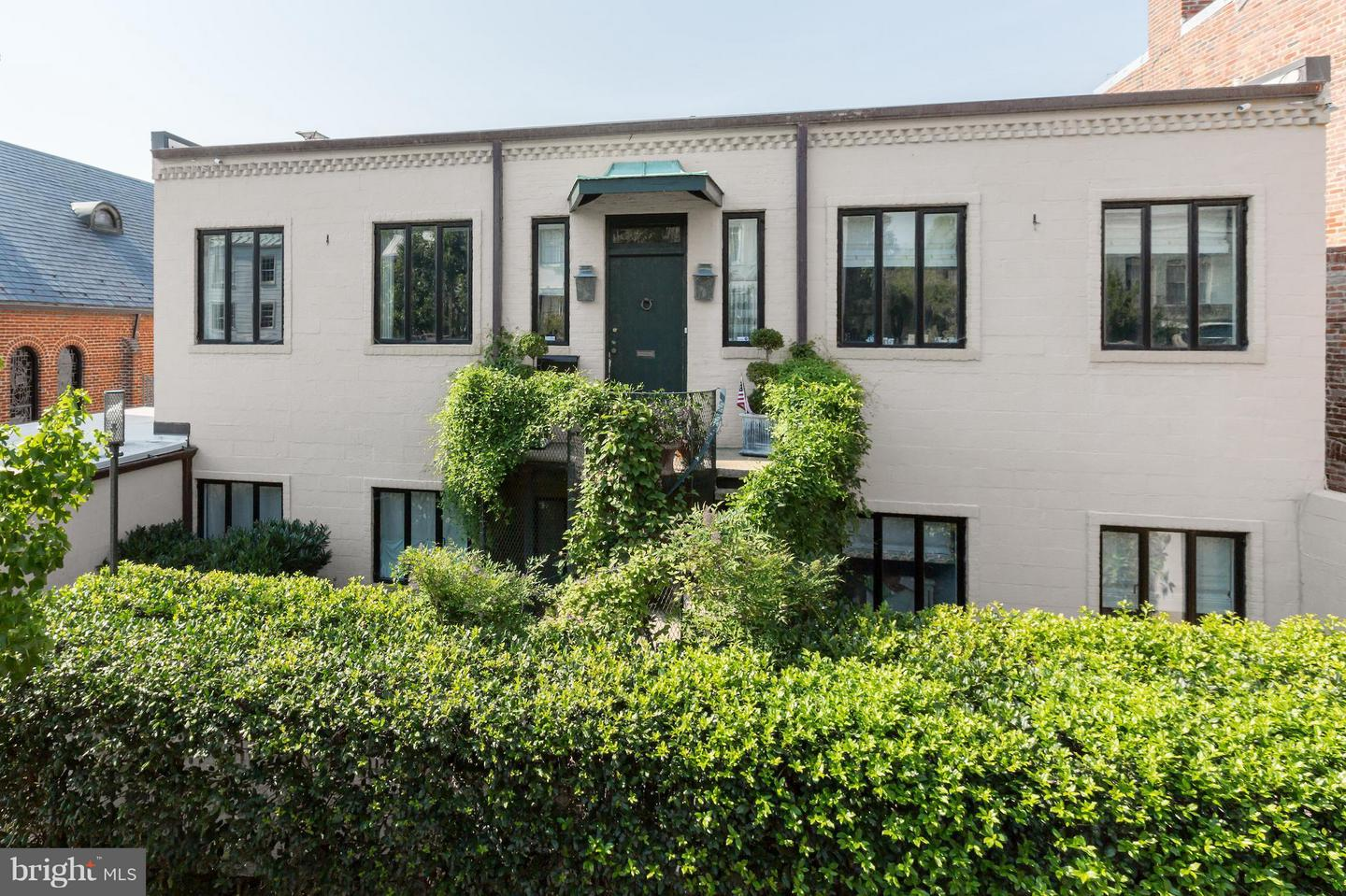 Single Family for Sale at 2720 Dumbarton St NW Washington, District Of Columbia 20007 United States