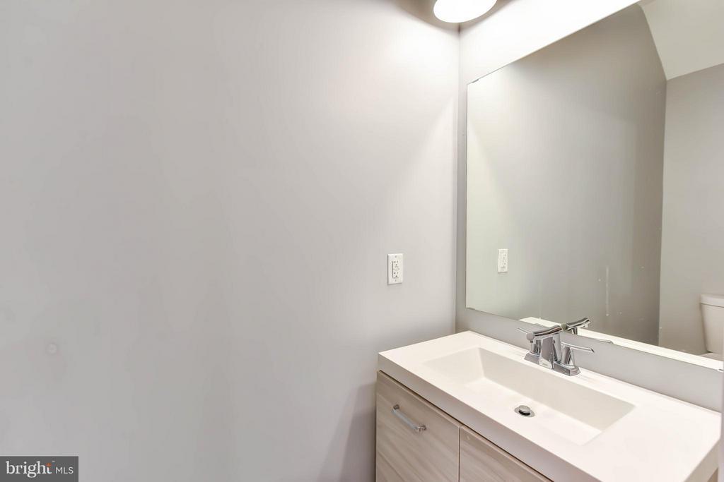 Half Bath - 84 P ST NW, WASHINGTON