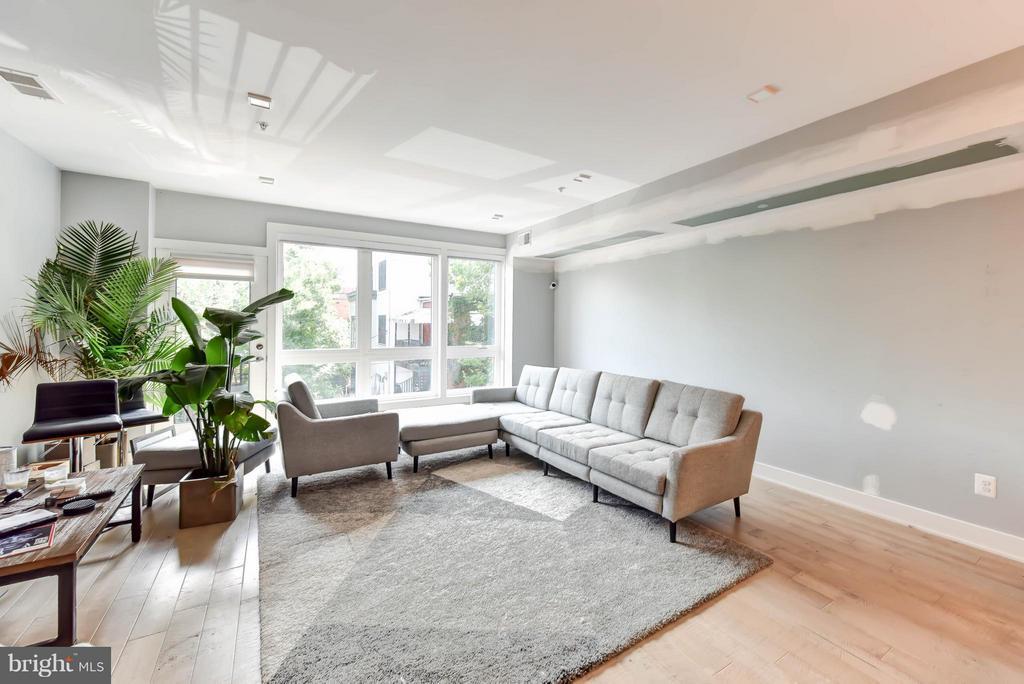 Unit 2 Living Room - 84 P ST NW, WASHINGTON