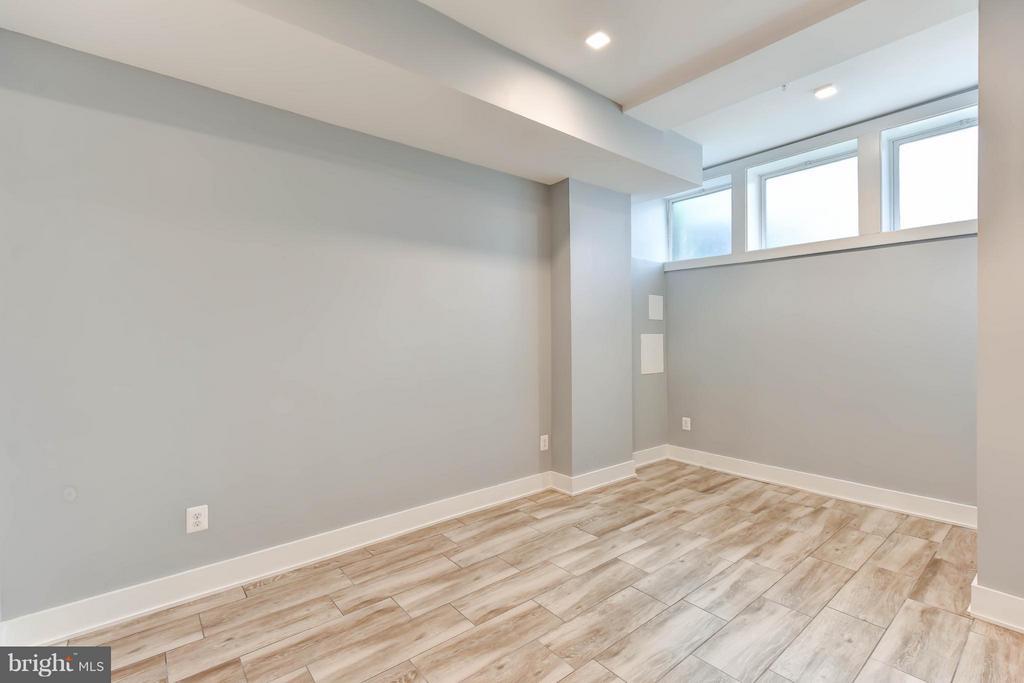 Main Floor Bedroom (Master) - 84 P ST NW, WASHINGTON