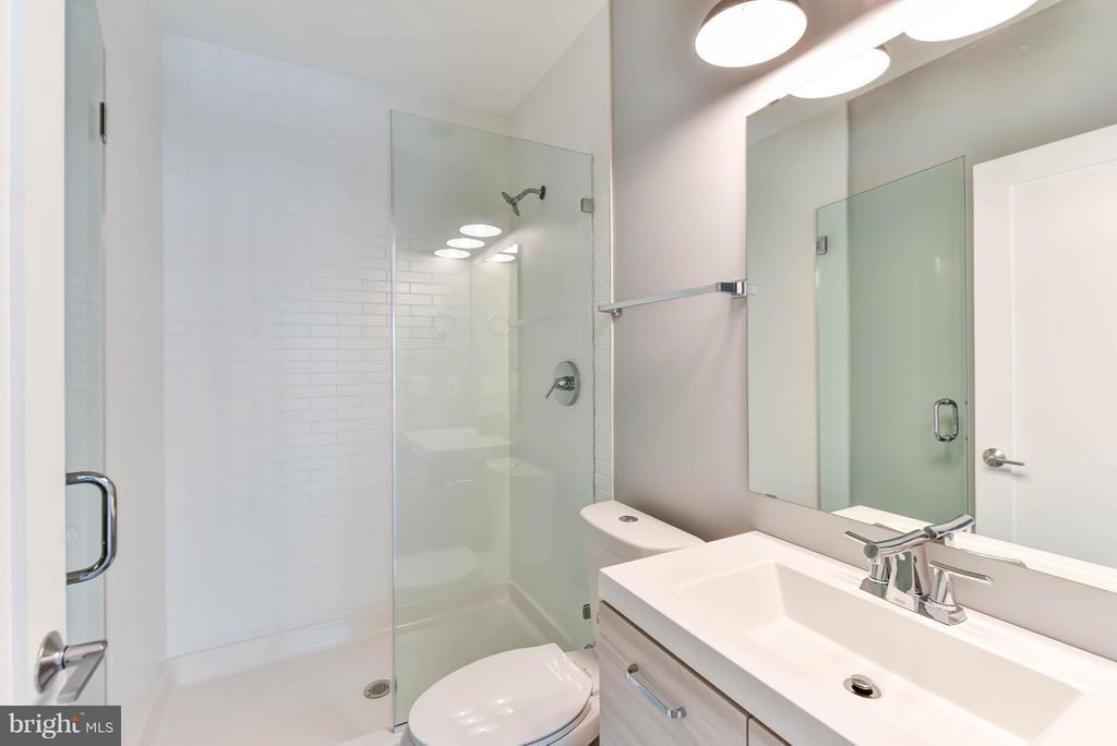 2nd Floor Bath 2 (Master) - 84 P ST NW, WASHINGTON