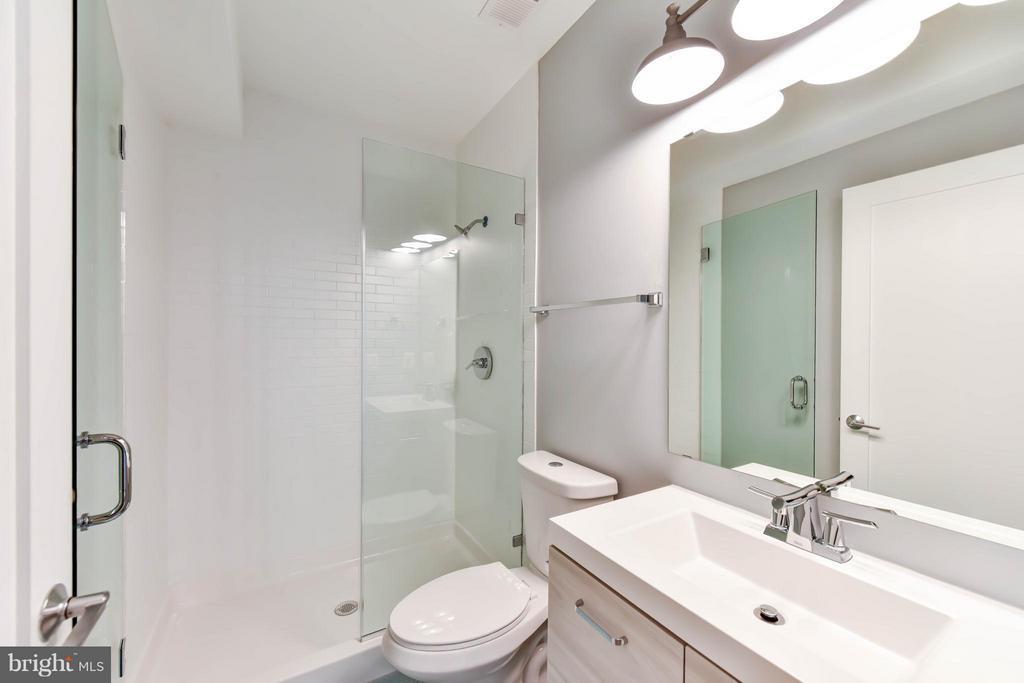 2nd Floor Bath 4 (Master) - 84 P ST NW, WASHINGTON