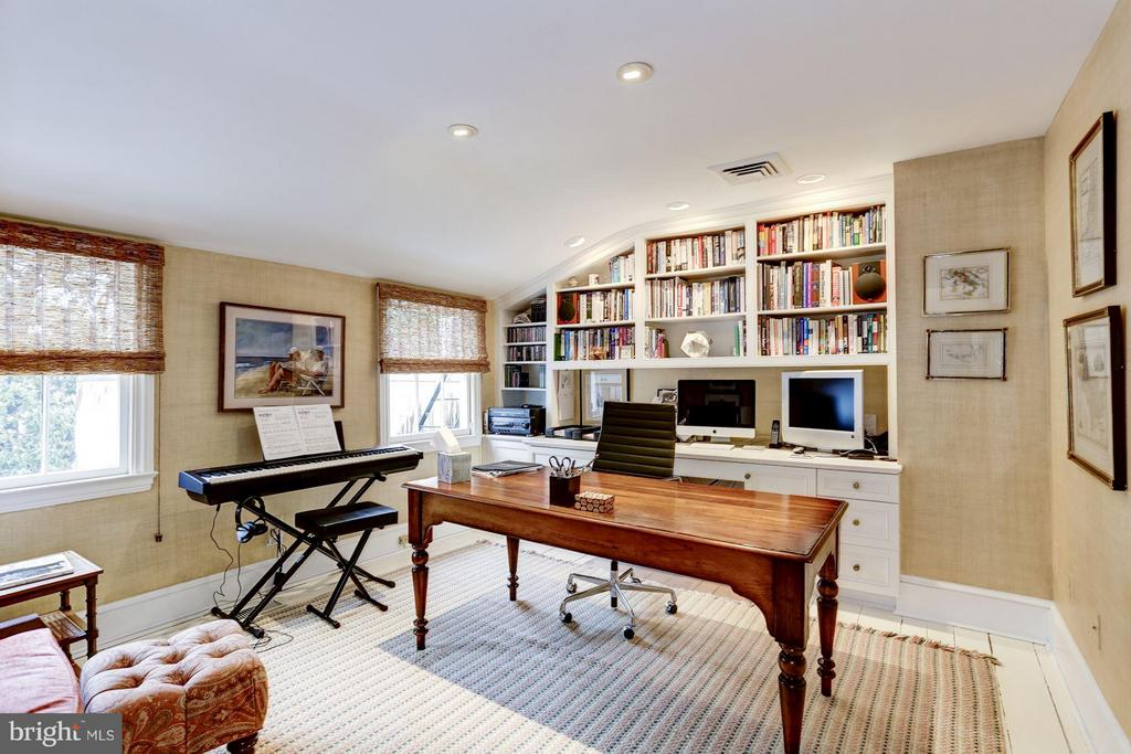 3rd Level Office/3rd Bedroom - 3005 O ST NW, WASHINGTON