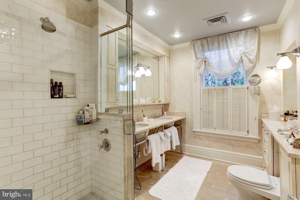 Bath (Master) - 3005 O ST NW, WASHINGTON