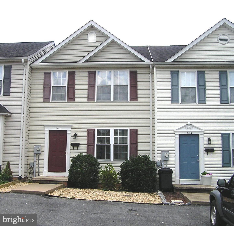 Single Family for Sale at 583 Ash St Strasburg, Virginia 22657 United States