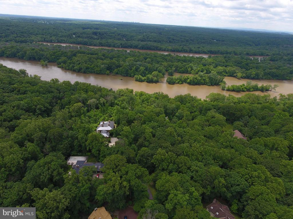 Drone photos Potomac River shown - 12025 EVENING RIDE DR, POTOMAC