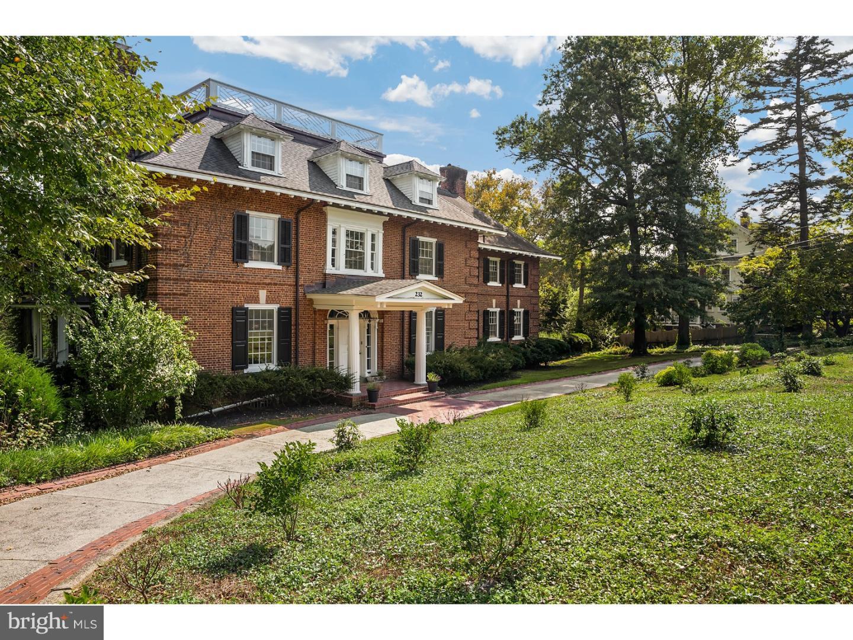 独户住宅 为 出租 在 232 E MAIN Street Moorestown, 新泽西州 08057 美国