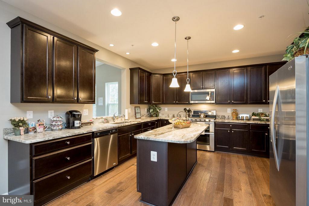 Sample kitchen layout. - 10407 DEL RAY CT, UPPER MARLBORO