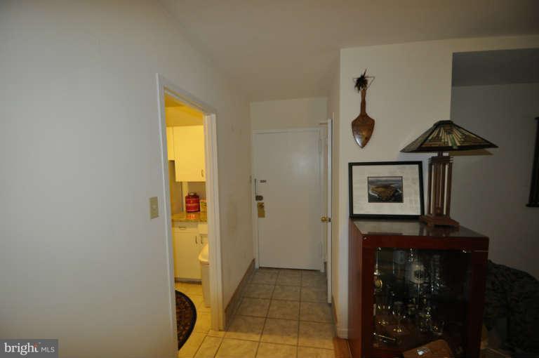 Interior (General) - 1121 ARLINGTON BLVD #530, ARLINGTON