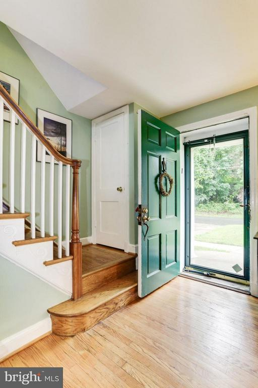 Foyer - 9700 MARSHALL AVE, SILVER SPRING
