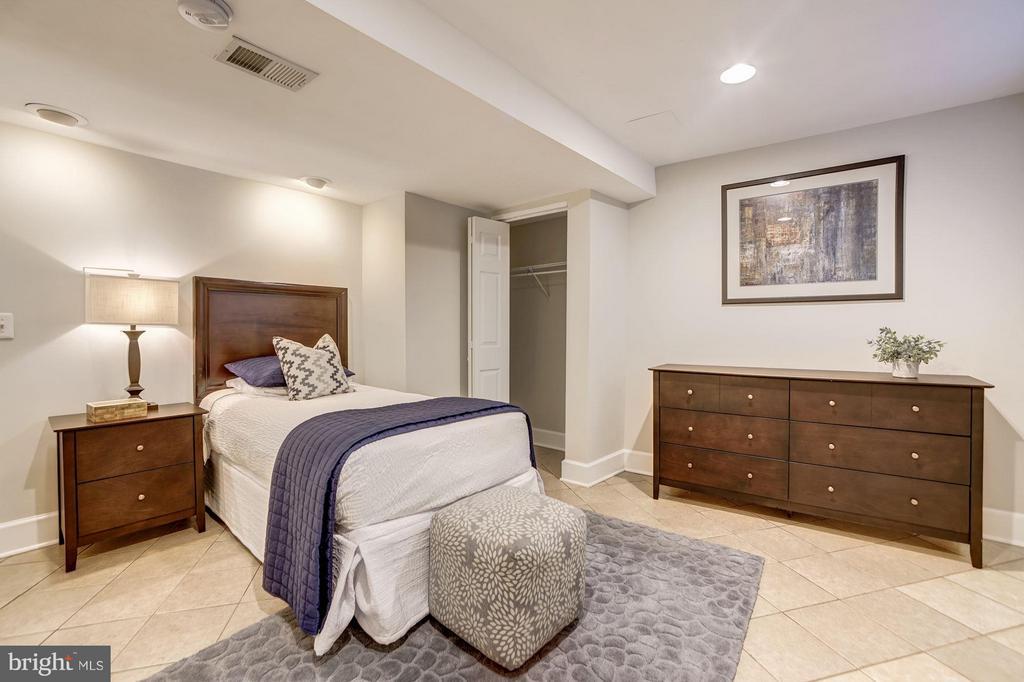 Lower Level Guest Bedroom - 3702 MUNSON RD, FALLS CHURCH