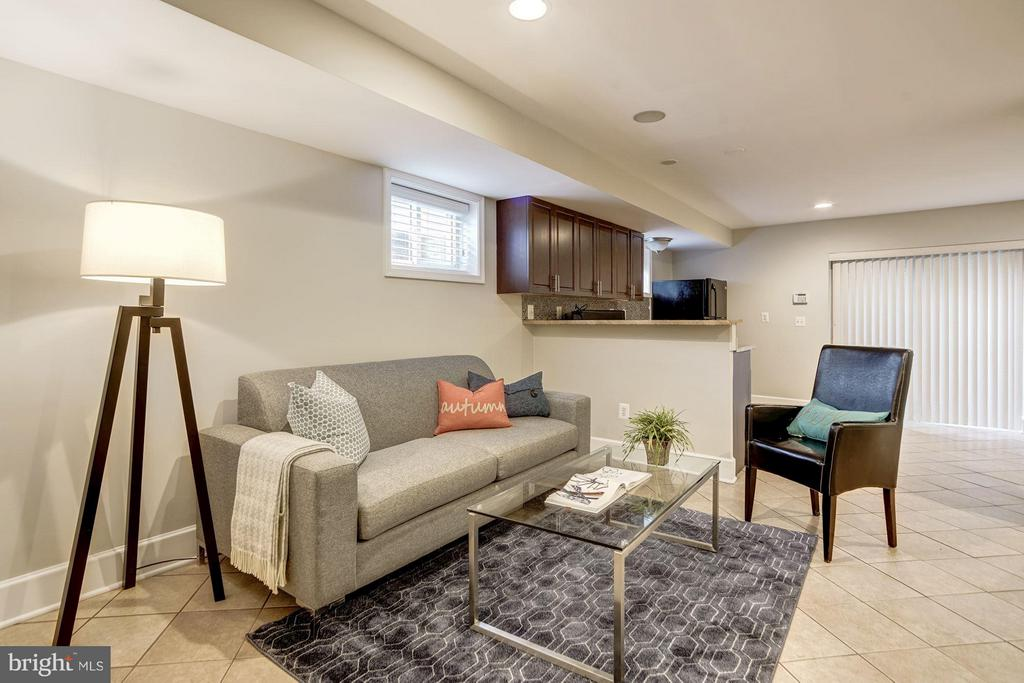 In-Law Suite (1 of 2) - 3702 MUNSON RD, FALLS CHURCH