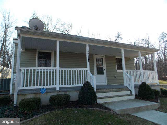 Single Family Homes voor Huren op 34383 CHARLES TOWN PIKE Purcellville, Virginia 20132 Verenigde Staten