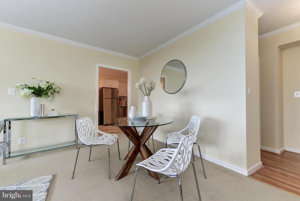Dining Room - 1805 CRYSTAL DR #810, ARLINGTON