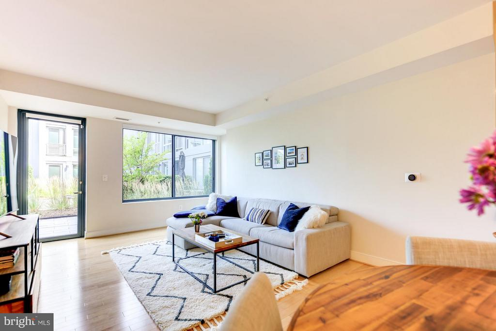 Family Room - 4101 ALBEMARLE ST NW #352, WASHINGTON