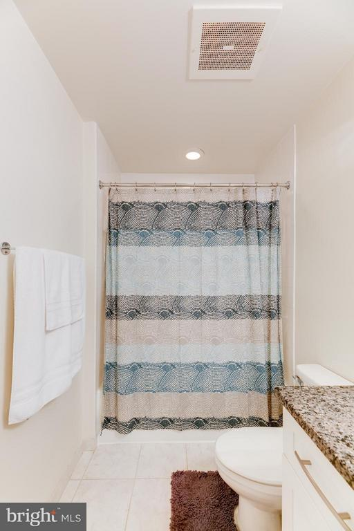 Bath - 4101 ALBEMARLE ST NW #352, WASHINGTON