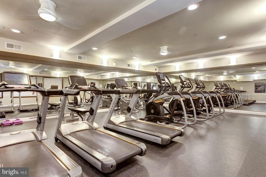Fitness Center - 501 HUNGERFORD DR #374, ROCKVILLE