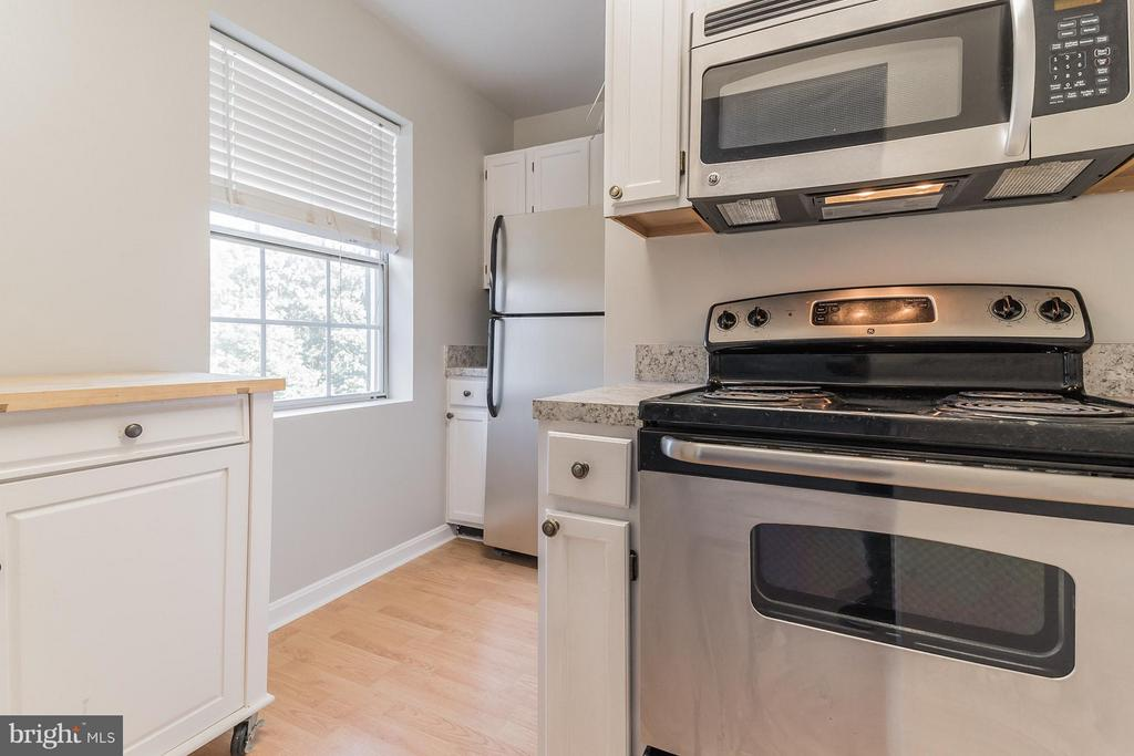 Kitchen - 1913 KEY BLVD #573, ARLINGTON