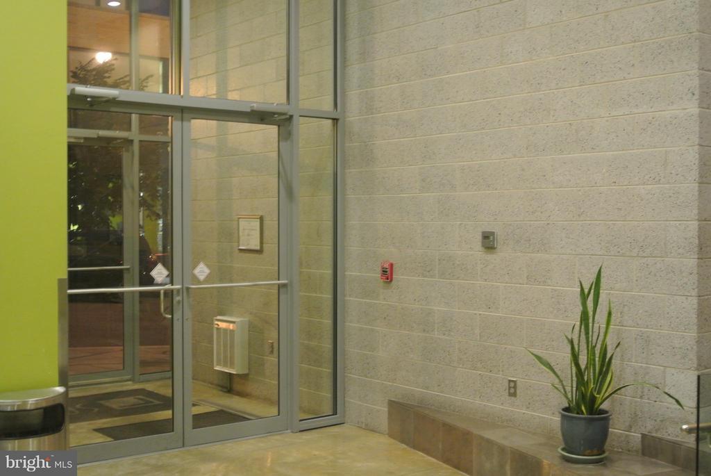 Front Entrance - 1414 BELMONT ST NW #413, WASHINGTON