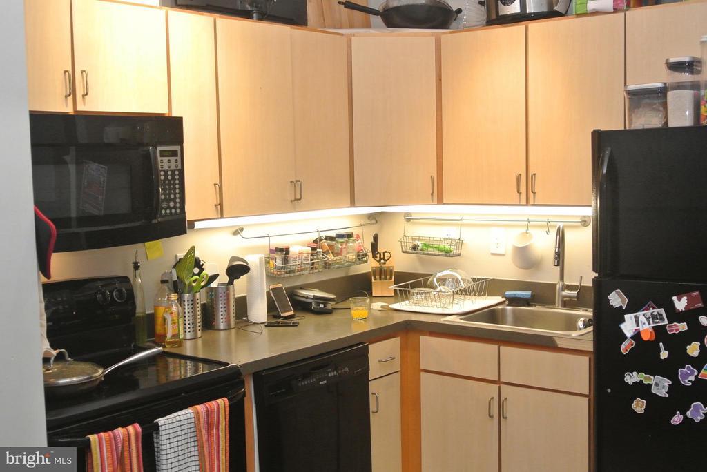Kitchen - 1414 BELMONT ST NW #413, WASHINGTON