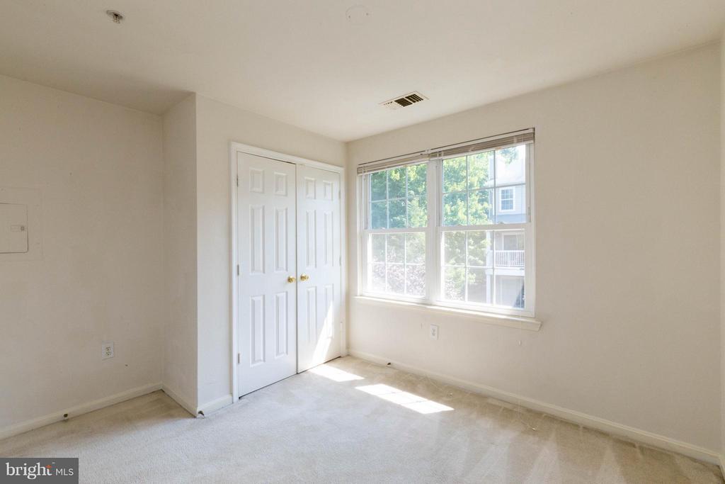 Bedroom/office - 4502 SUPERIOR SQ, FAIRFAX