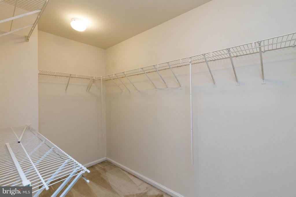 Walk-in closet - 4502 SUPERIOR SQ, FAIRFAX