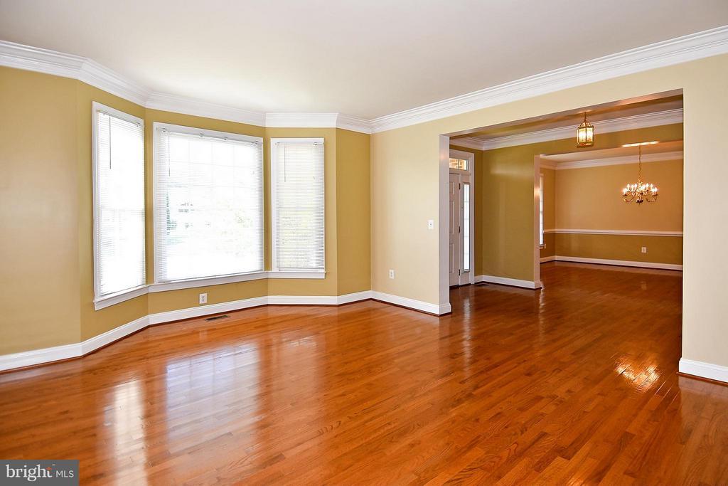 Living Room - 12218 TIDESWELL MILL CT, WOODBRIDGE