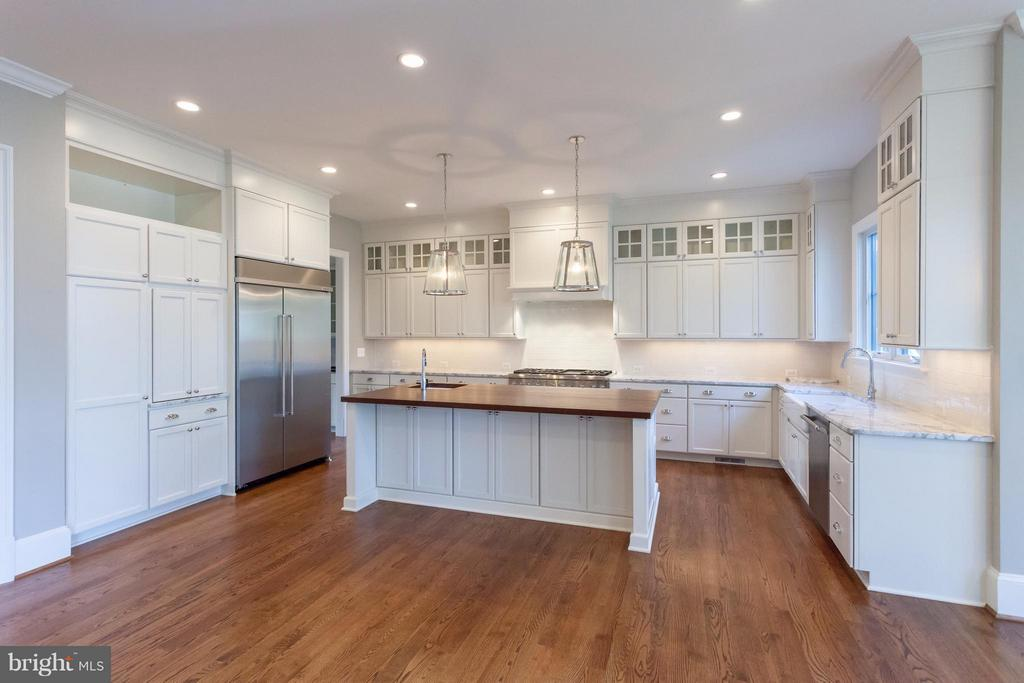 Kitchen - 1723 BARTON ST N, ARLINGTON