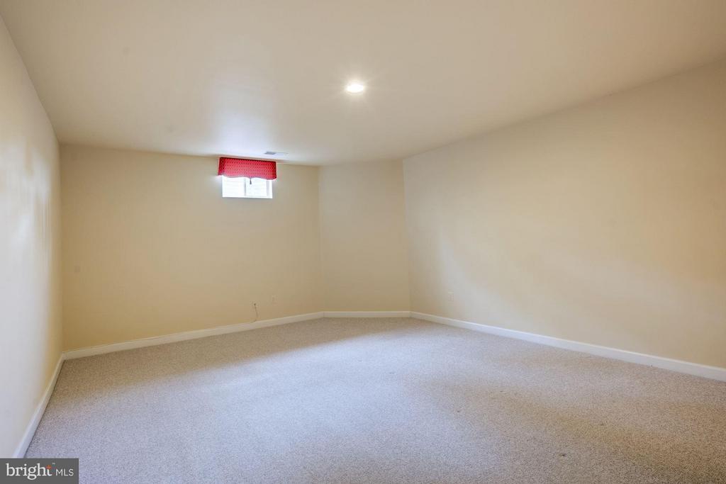 Basement Bedroom? (no egress) - 11864 CHANCEFORD DR, WOODBRIDGE