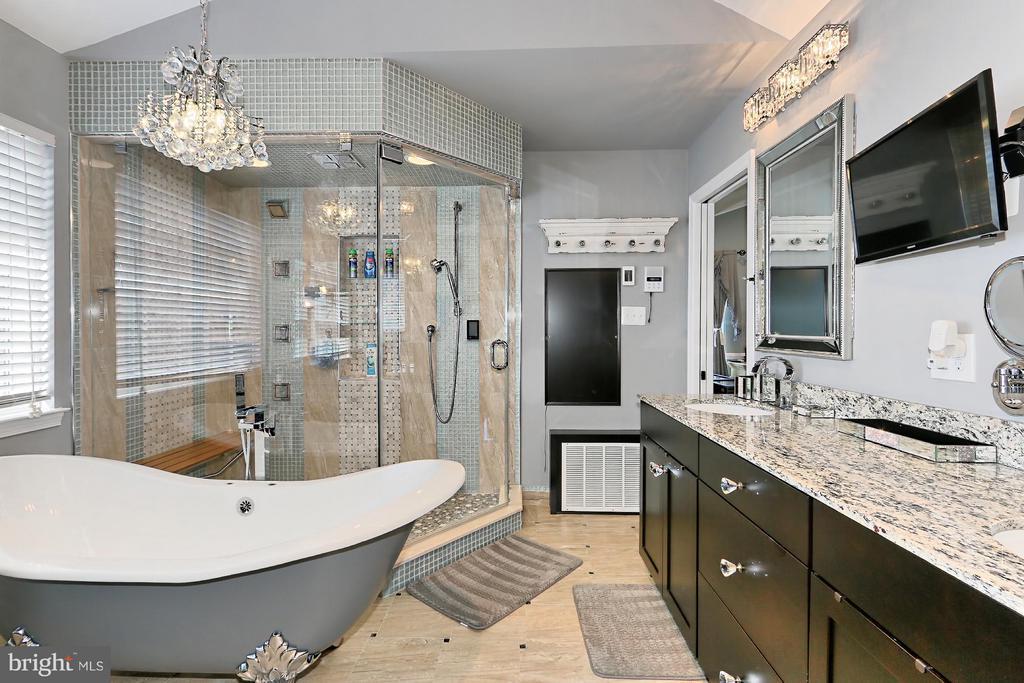 Bath (Master) - 13551 SHARDLOW CT, BRISTOW