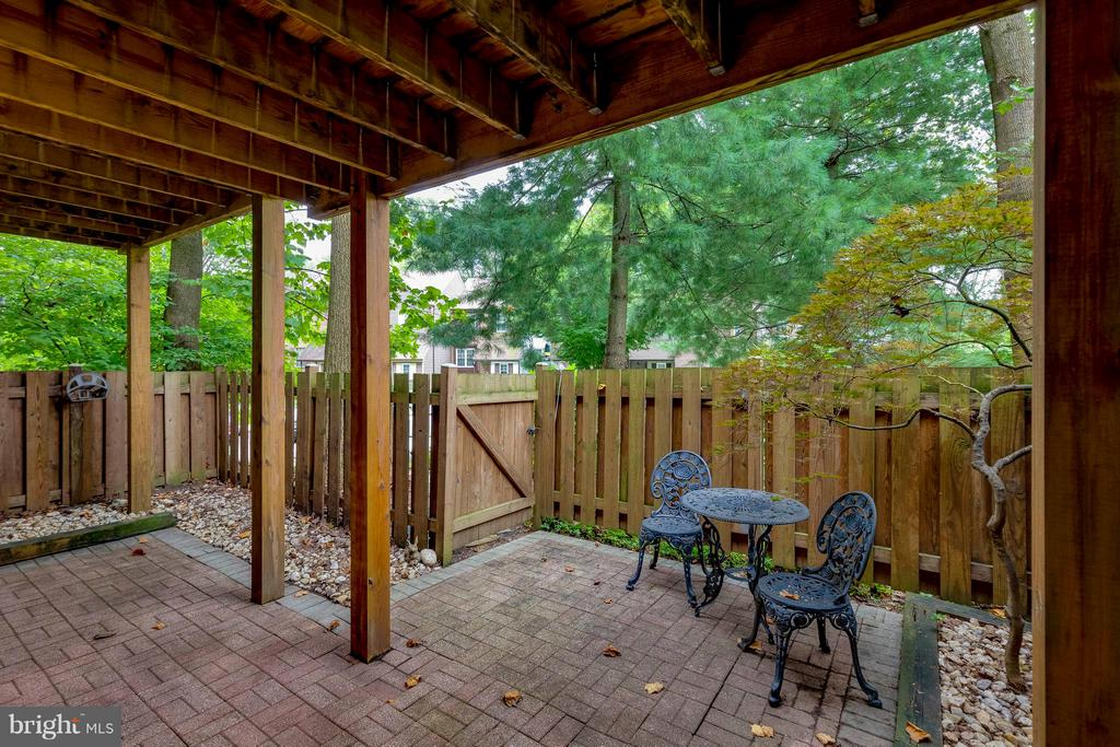 Lower level patio - 7513 SWAN POINT WAY #18-1, COLUMBIA