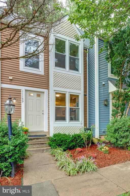 Welcome Home! - 11189 SILENTWOOD LN, RESTON