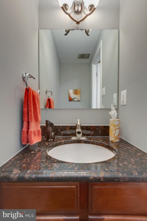 Main Level 1/2 Bath with Granite! - 11189 SILENTWOOD LN, RESTON