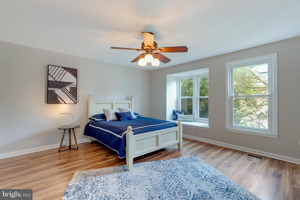 Lots of Light from Wall of Windows - 11189 SILENTWOOD LN, RESTON