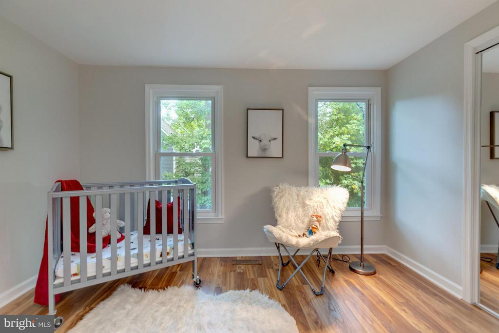 This is just too Adorable for words! - 11189 SILENTWOOD LN, RESTON
