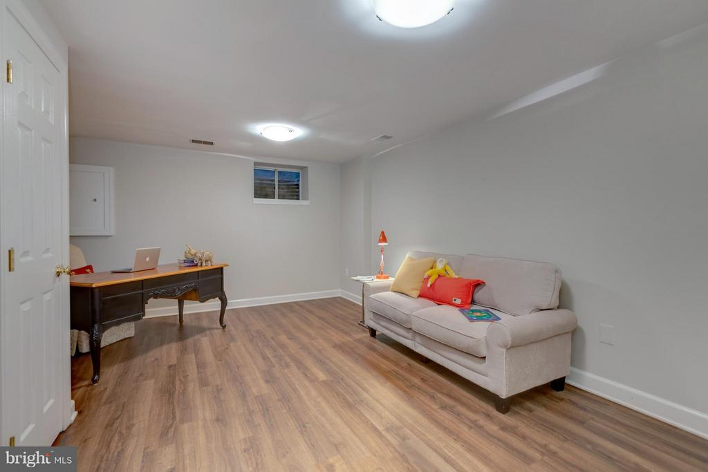 Fully Finished Rec Room/Office/TV Room - 11189 SILENTWOOD LN, RESTON
