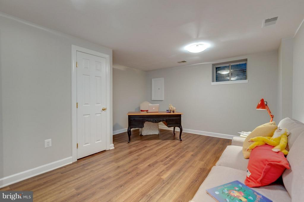 Finished Living Space approx. 270 Sq.Ft. - 11189 SILENTWOOD LN, RESTON