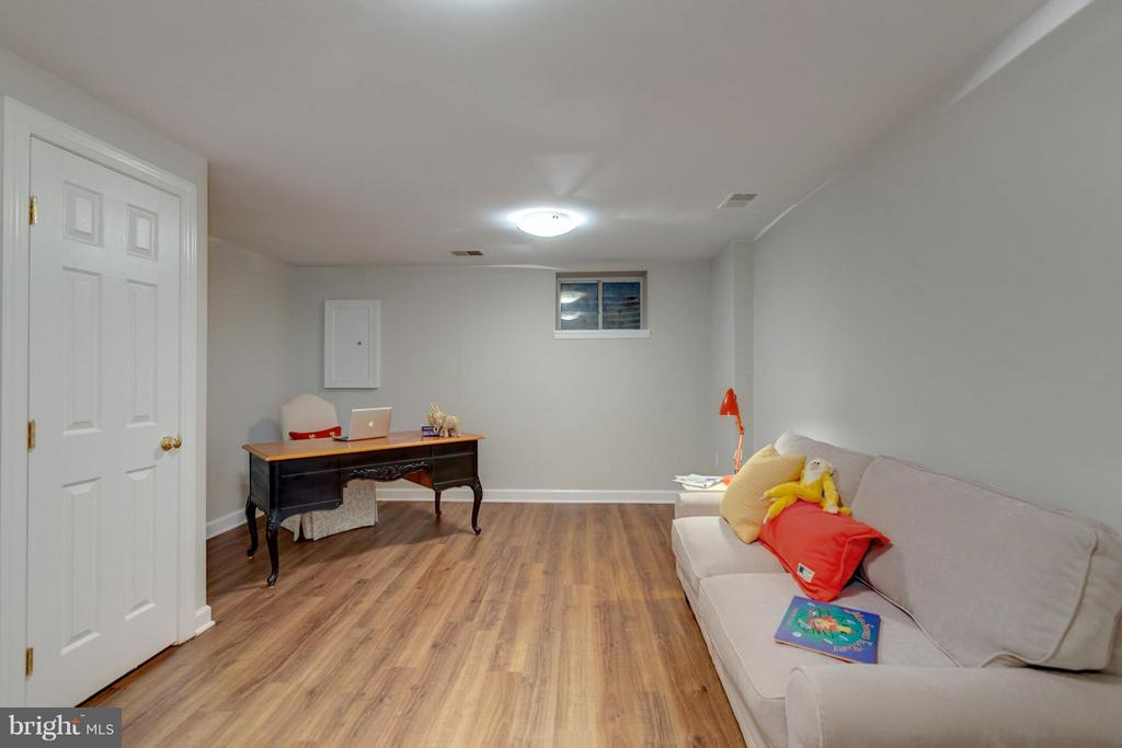 LVT Hardwood Floors are so easy to take care of.! - 11189 SILENTWOOD LN, RESTON