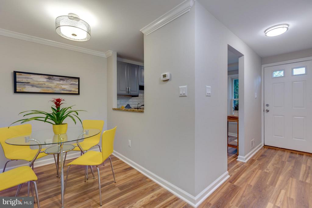 Lovely Cheery Dining Room - 11189 SILENTWOOD LN, RESTON