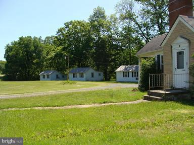Commercial for Sale at 4500 North Fork Hwy Cabins, West Virginia 26855 United States