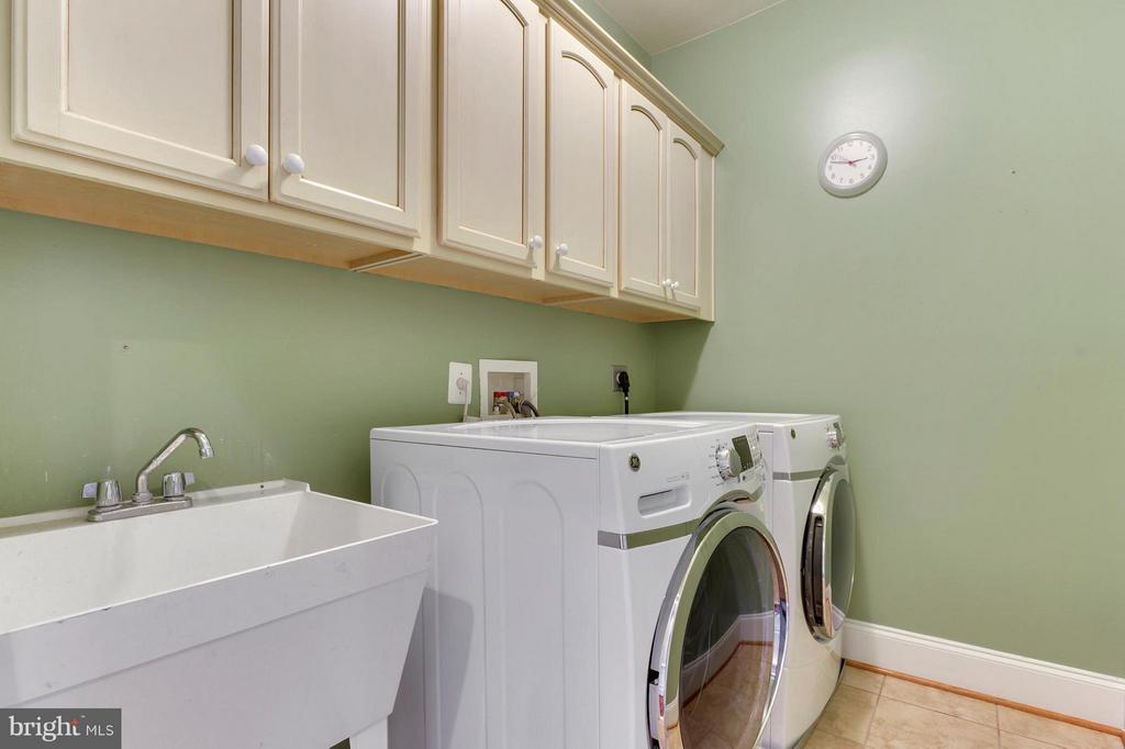 Laundry Room Upstairs - 43368 VESTALS PL, LEESBURG