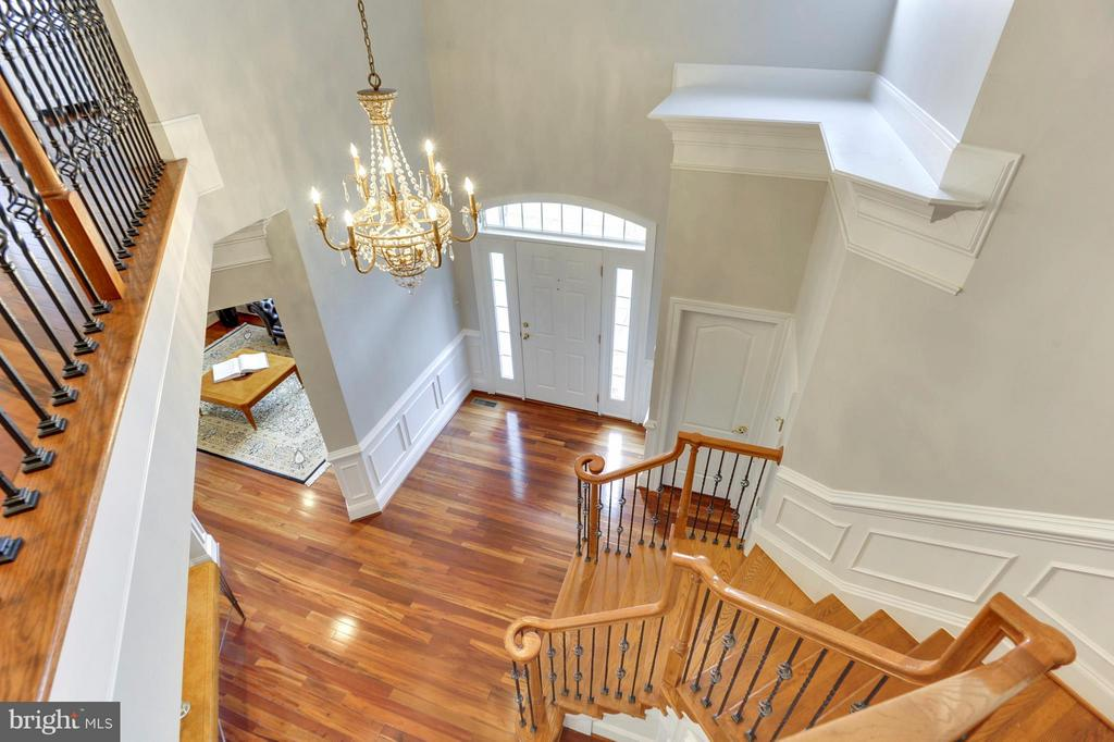 Front entrance from upstairs view - 43368 VESTALS PL, LEESBURG