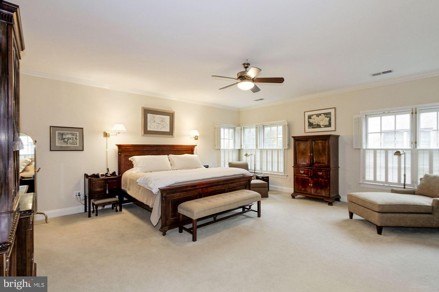 Additional photo for property listing at 8517 Gavin Manor Ct #6 Chevy Chase, Maryland 20815 United States