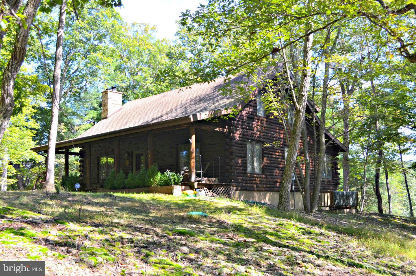 Single Family for Sale at 279 Rural Retreat Ln Great Cacapon, West Virginia 25422 United States
