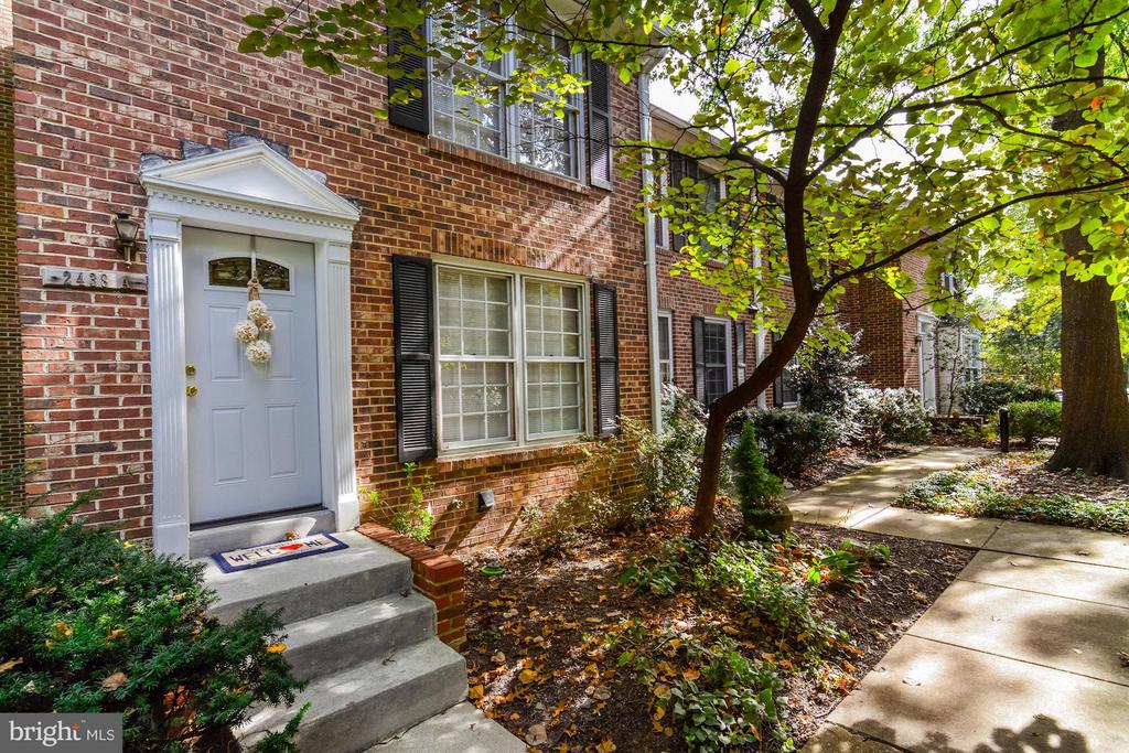 2438  WALTER REED S. DRIVE  A 22206 - One of Arlington Homes for Sale