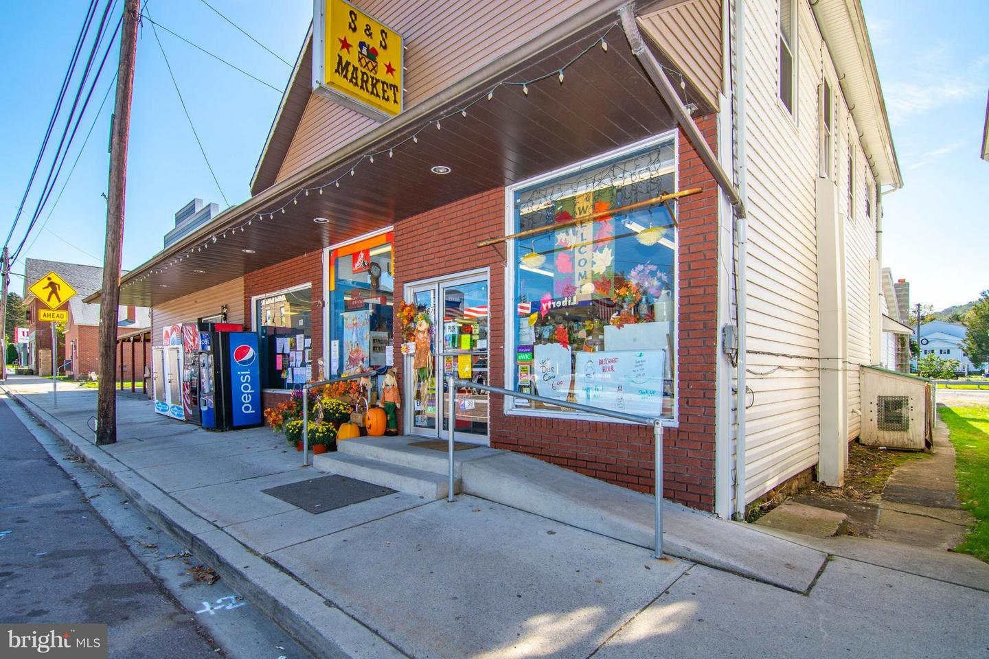 Commercial for Sale at 267 Maple St Friendsville, Maryland 21531 United States