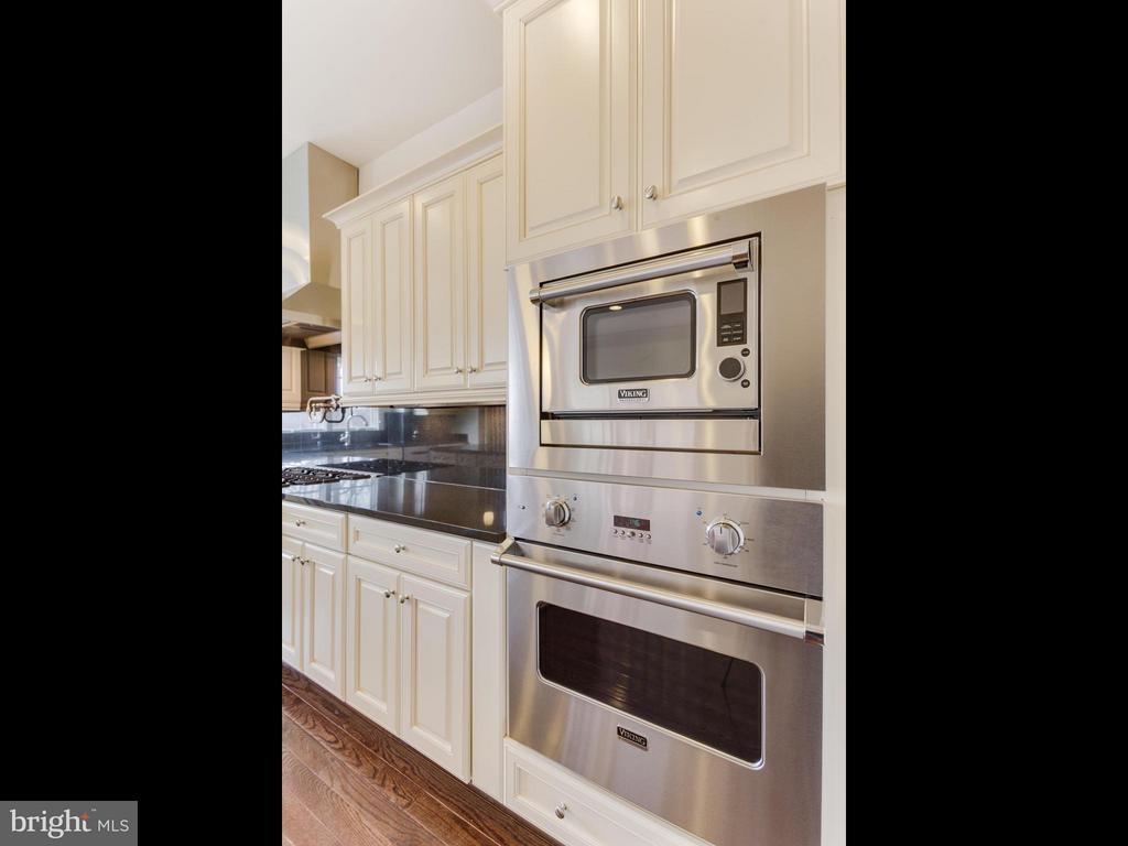 Kitchen with double Viking ovens - 4526 WESTHALL DR NW, WASHINGTON